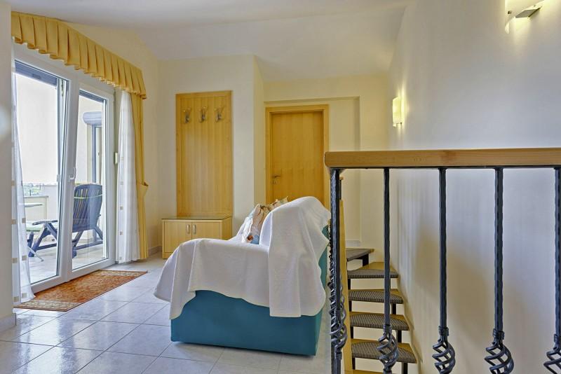 ferienwohnung zadar 3 personen kroatien dalmatien festland 130489. Black Bedroom Furniture Sets. Home Design Ideas